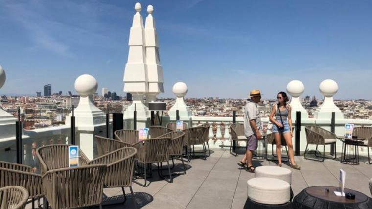 这就是西班牙大厦中Riu酒店的露台