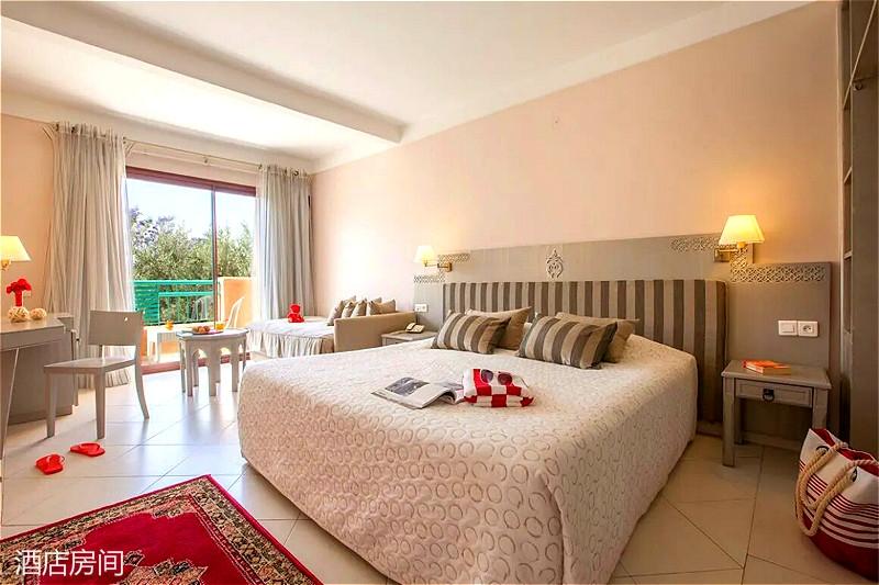 MARRMAD-club-marmara-madina-chambre-triple-sejour-maroc-tui_meitu_7.jpg