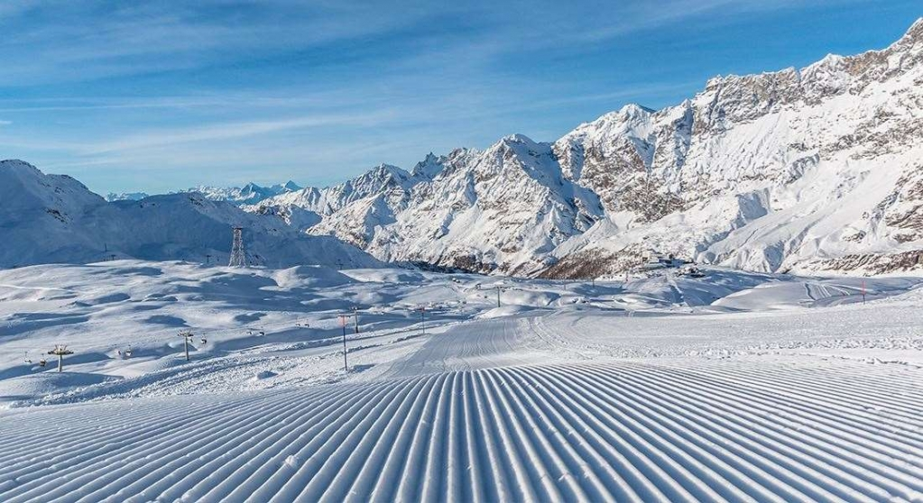 skiing-in-cervinia.jpg