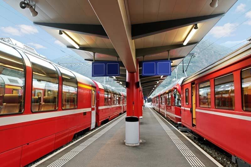 Swiss-trains-at-station-800x533.jpeg