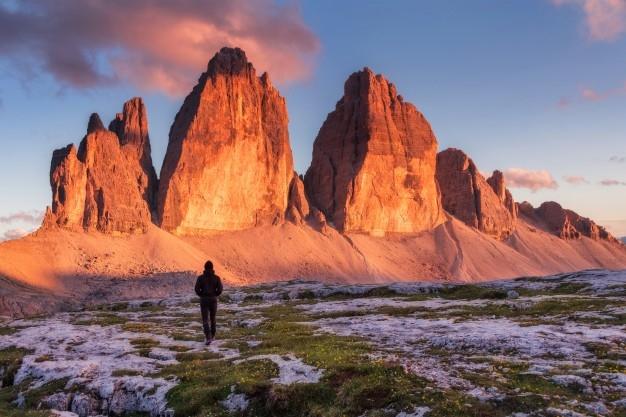 hiker-tre-cime-di-lavaredo-dolomites-mountains_2158-5.jpeg