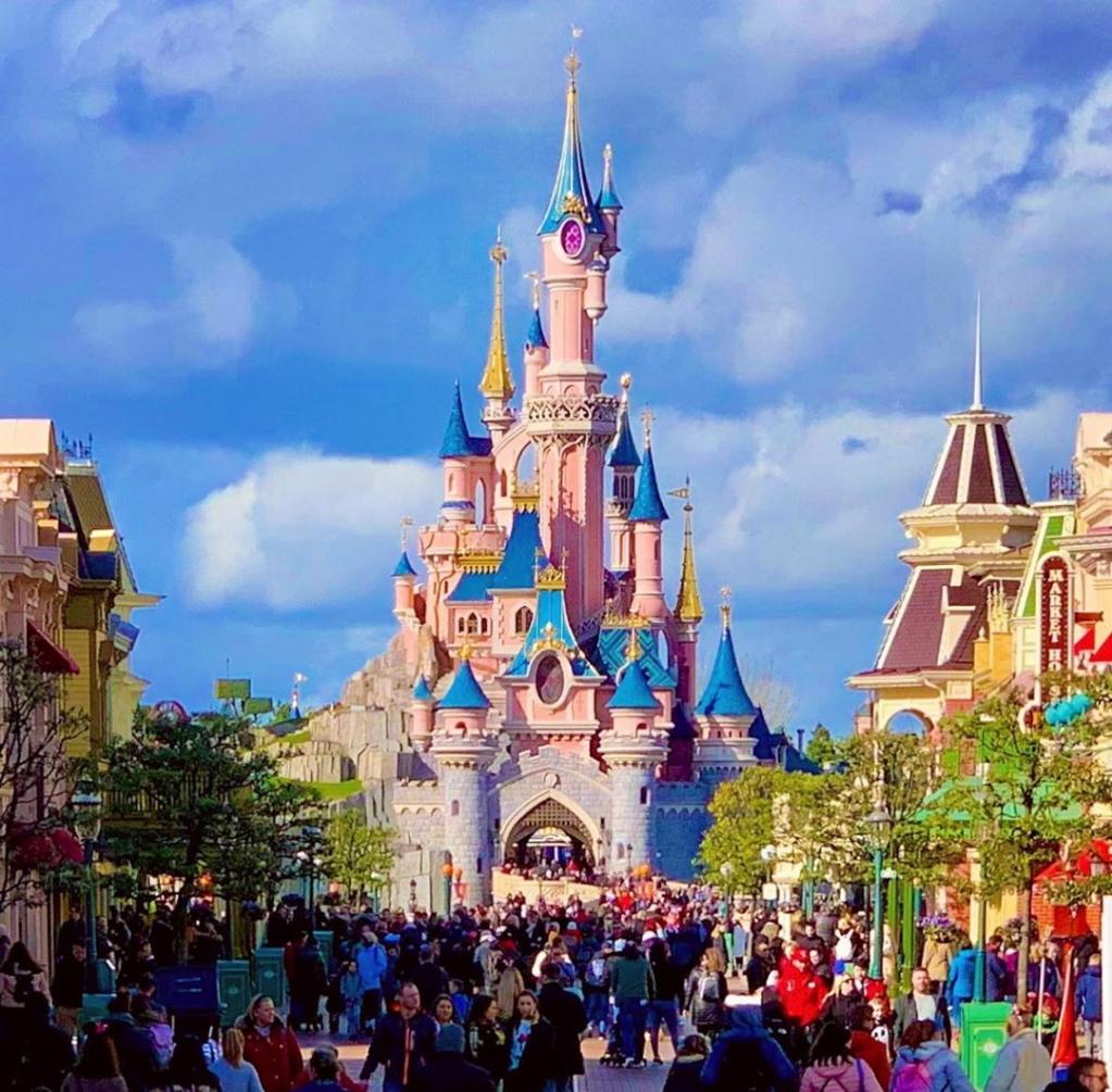 Disneyland_Paris.jpg