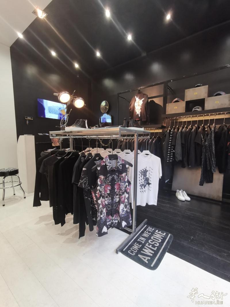 巴黎9区近老佛爷41平好店转让 其他行业,代理中介,服饰鞋包,店铺转让,地理位置 第6张图片