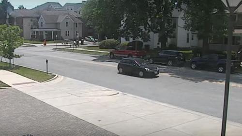 留美女生失踪前监控录像公布 所乘车辆或成关键