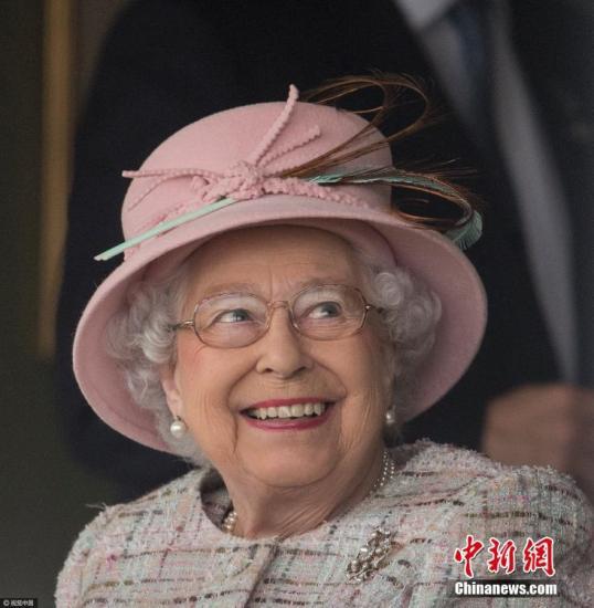 英国女王官方生日近千澳人获勋 7名华人获勋位勋章