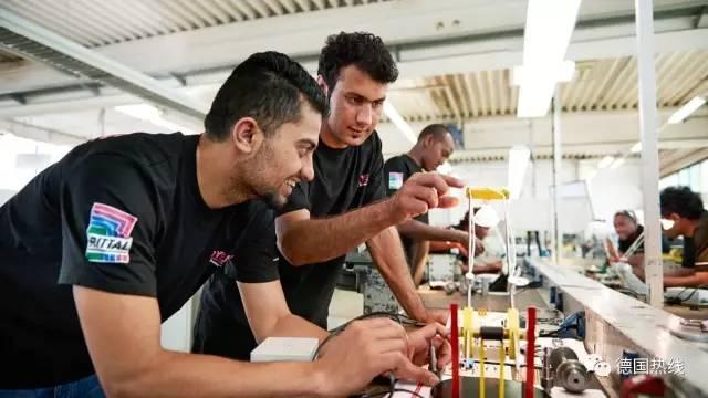 五分之一德国公司已雇佣难民 德语水平是最大障碍