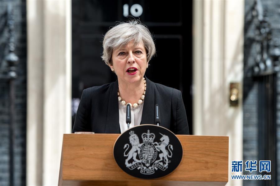 """英""""悬浮议会""""重挫商界信心 对经济影响负面"""