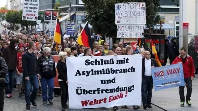 转帖:德国鼓励难民自愿返乡 退出难民申请可得1200欧 - amen1523 - 雨山诗画