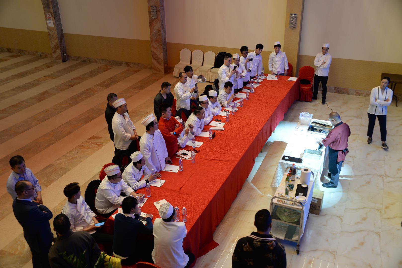 意大利北部华侨华人餐饮业协会组织寿司技艺培训活动